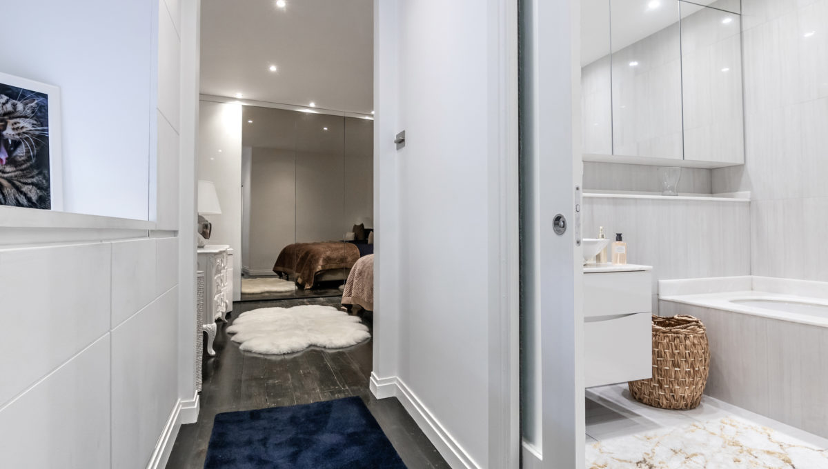 17 Redcliffe Square Apartment_Master Bedroom.1