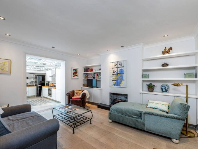 2 Bed Maisonette to rent in SW10